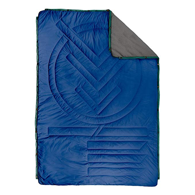 Voited Fleece Outdoor Pillow Blanket - Versatile Insulated & Water-Resistant Blanket for Camping, Hiking, Picnics & The Beach